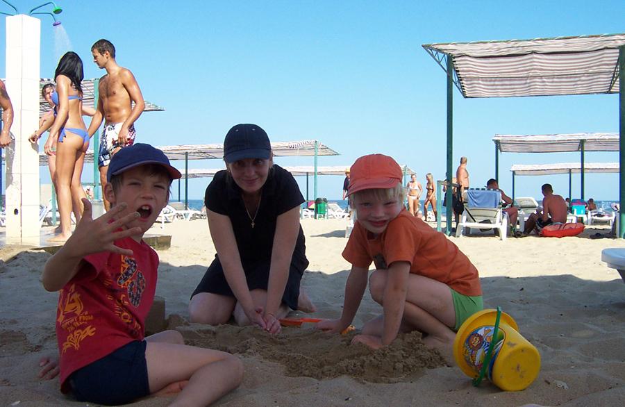 Море и пляж в Ильичевске