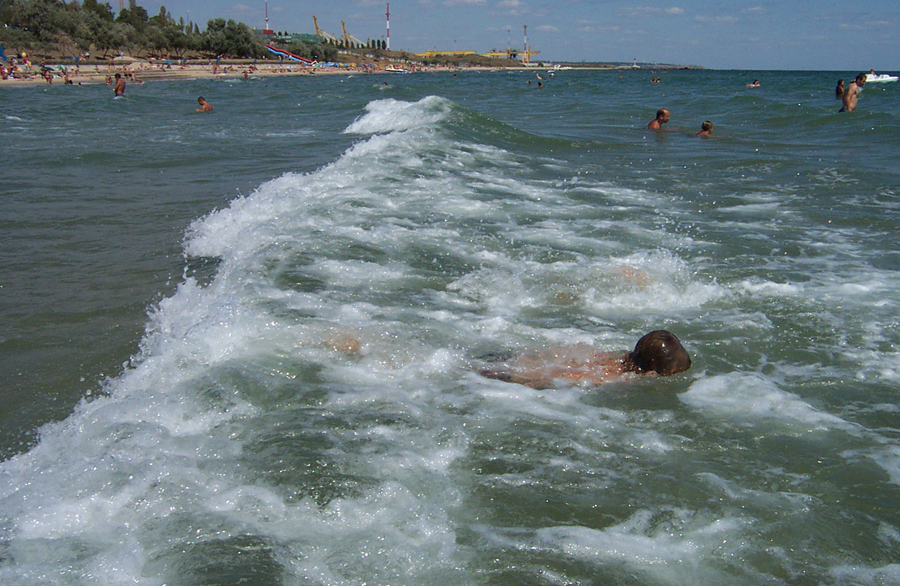 Пляж в Ильичевске