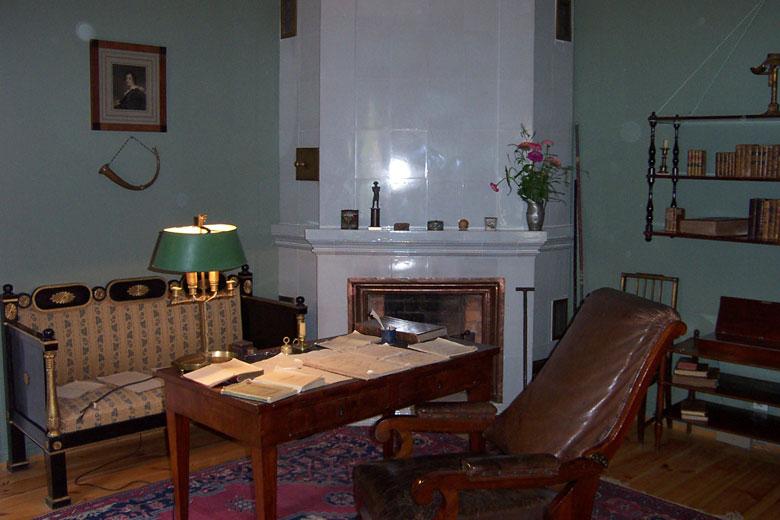 Усадьба пушкина внутри фото памятник