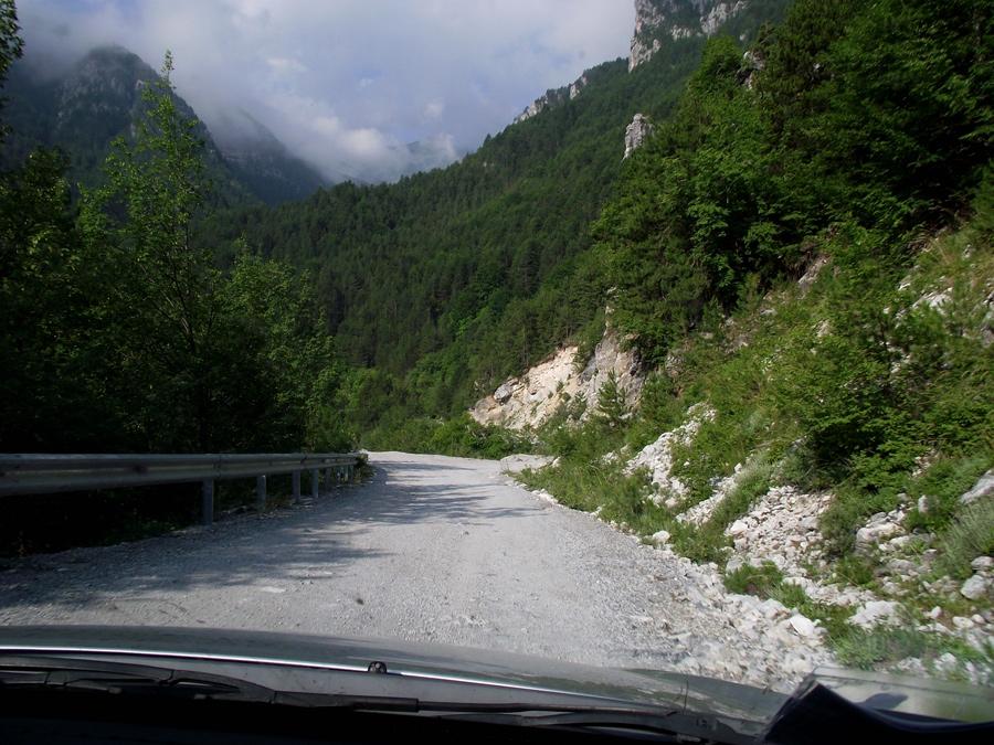 Дорога к подножию Олимпа