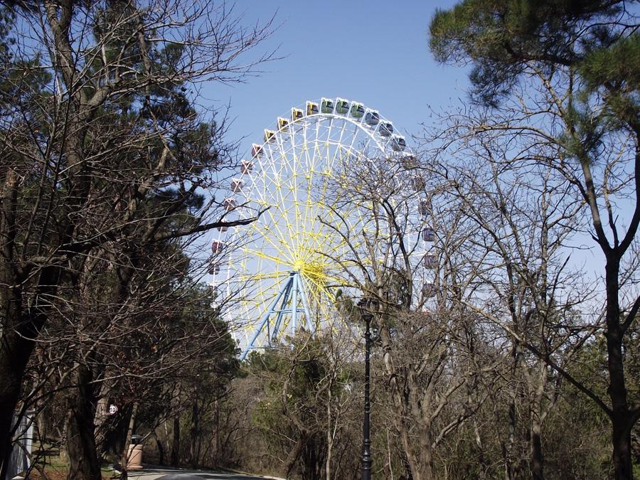 Тбилиси, гора Мтацминда, колесо обозрения